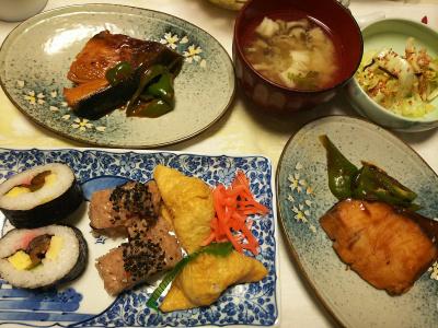 DSC_6113_0316夜-ブリ照り焼き、巻きずし、いなり寿司、おこわおにぎり、味噌汁、白菜昆布和え_400.jpg