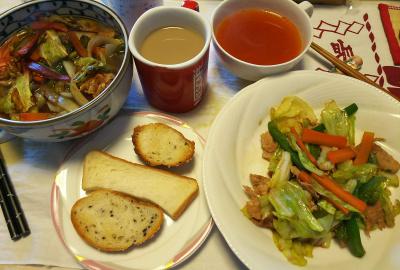 DSC_6142_0320昼-野菜炒め、パン、スープ 又は 野菜炒めラーメン_400.jpg