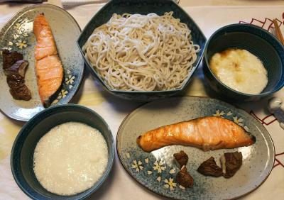 DSC_6579_0422昼-鮭と日干し椎茸焼き、とろろそば_400.jpg