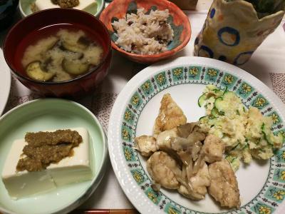 DSC_6754_0505夜-ささみと舞茸蒸し焼き、胡麻味噌奴、ナス味噌汁、小豆ご飯_400.jpg