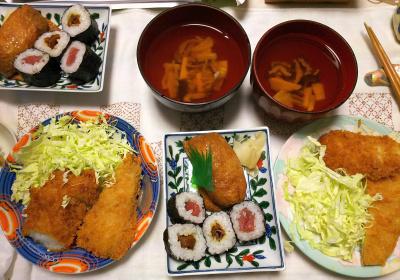 DSC_6772_0507夜-アジフライとイカフライ、キャベツ、海苔巻き寿司、いなり寿司、椎茸と筍のお吸い物_400.jpg