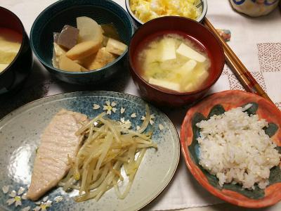 DSC_6910_0513夜-ポーク味噌漬け、もやし添え、煮物、豆腐味噌汁、筍ご飯、夏みかん_400.jpg