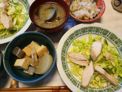 DSC_6917_0515昼-吟醸かしわサラダ、煮物、ナス味噌汁、筍ご飯_400.jpg