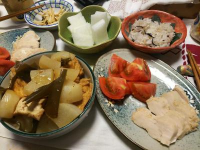 DSC_6958_0520夜-蒸し鶏トマト、大根と厚揚げと昆布煮物、大根サラダ、雑穀ごはん、大根の昆布和え_400.jpg