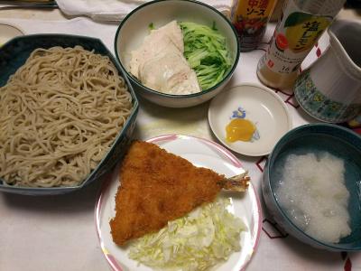 DSC_6970_0522夜-アジフライ、キャベツ添え、大根おろし蕎麦、蒸し鶏とキュウリに辛味噌_400.jpg