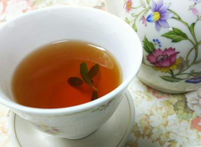 DSC_7298_0617お茶-摘みたてステビアの葉入り紅茶_400.jpg