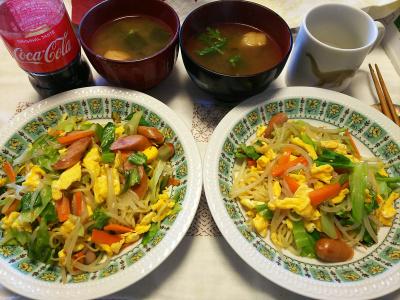 DSC_7306_0618昼-とれたてシュンギクのスープ、カラフル焼きそば_400.jpg