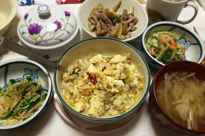 DSC_7317_0619夜-豚ごぼう、キュウリとカニカマ酢の物、麻婆豆腐ご飯、もやし味噌汁_400.jpg