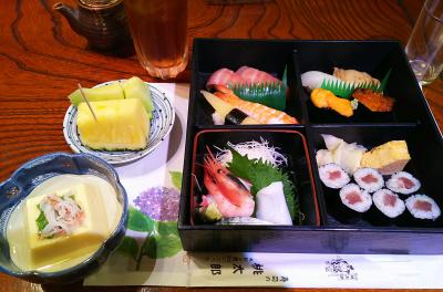 DSC_7394_0623昼・外食-寿司、刺し身、卵豆腐_400.jpg