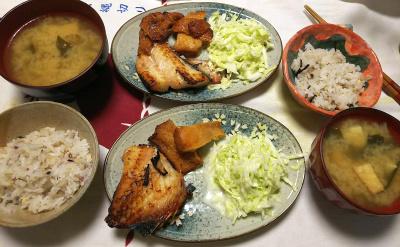 DSC_7916_0722夜-赤魚、チキン焼き、キャベツサラダ、厚揚げ味噌汁、雑穀ごはん_400.jpg