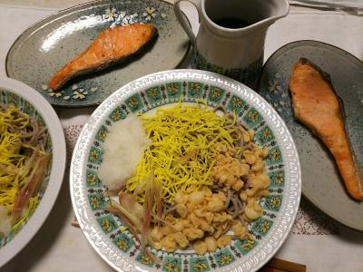 DSC_7980_0728夜-鮭焼き、大根おろし、錦糸卵揚げ玉、ミョウガのっけ蕎麦_400.jpg