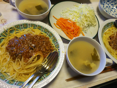 DSC_8050_0804昼-手作りミートソーススパゲッティ、サラダ、かきたま汁_400.jpg