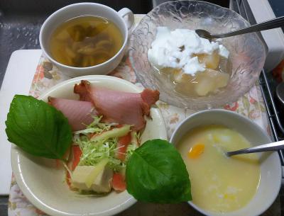 DSC_8105_0808昼-桃ゼリーヨーグルト、とれたてバジルと焼豚、スイカ塩漬け、キャベツ、湯煎卵_400.jpg