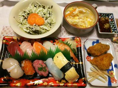 DSC_8126_0810夜-握り寿司、カキフライ、キャベツの茶葉佃煮サラダ、卵スープ_400.jpg
