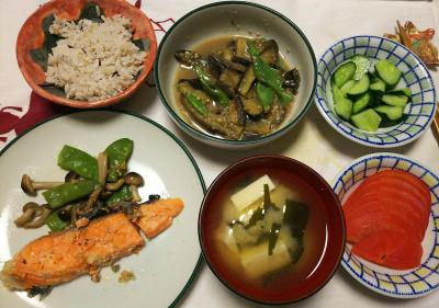 DSC_8182_0815夜-鮭焼き、モロッコいんげん、トマト、ナスとモロッコいんげん味噌炒め、豆腐味噌汁、キュウリ、縄文ご飯_400.jpg