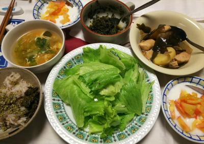 DSC_8292_0821夜-レタスサラダ、レタスの卵とじスープ、鶏煮物、トマトヨーグルト、茶葉佃煮、わさびごま、縄文ご飯_400.jpg