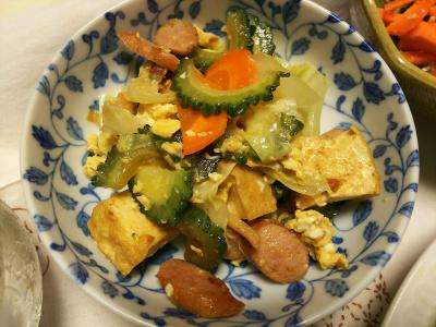 DSC_8497_0908夜-とれたてゴーヤNo10,11で作ったゴーヤチャンプルー 美味しい。_400.jpg