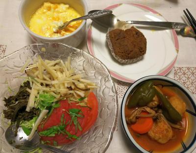 DSC_8550_0912夜-トマトと大根のバジルサラダ、茶葉佃煮添え、ミートボールのトマト煮、半熟卵、黒糖パン_400.jpg