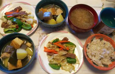 DSC_8629_0920昼-煮物、ラム野菜炒め、味噌汁、雑穀ごはん_400.jpg