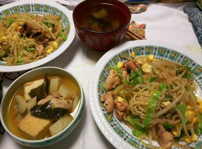 DSC_9029_1018夜-焼きそば、煮物、ナスのスープ_400.jpg