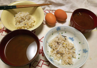 DSC_9428_1113夜-美味しい卵をもらった、ご飯、スープ_400.jpg