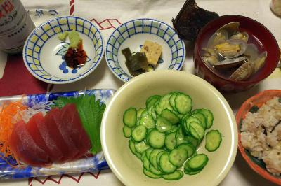 DSC_9470_1115夜-アサリの潮汁、マグロ刺身、きゅうりの酢の物、雑穀ごはん、海苔_400.jpg