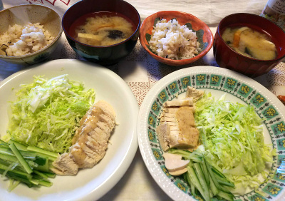 DSC_9634_1124昼-蒸し鶏、キャベツときゅうり、味噌汁、雑穀ごはん_400.jpg