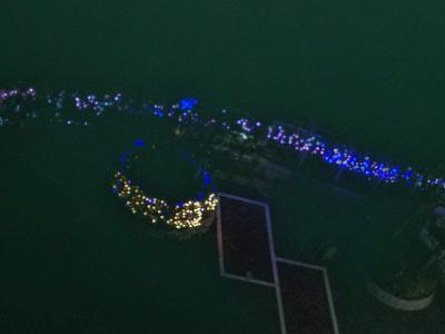 DSC_9723_1201イルミネーション点灯中庭の様子をベランダから撮影_400.jpg