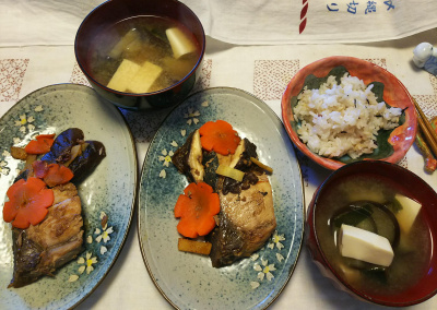 DSC_9869_1212昼-ブリの照焼き、味噌汁、雑穀ごはん_400.jpg