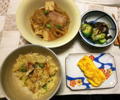 DSC_9902_1214夜-ポーク炒め煮、きくらげ酢の物、卵焼き、ピース入りサンマオレンジご飯_400.jpg
