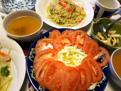 DSC_0865_0102昼-焼きそば、トマトサラダ、白菜昆布和え、スープ_400.jpg