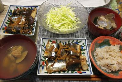 DSC_1529_0217夜-サンマの甘辛煮、キャベツサラダ、アサリの潮汁、雑穀ごはん_400.jpg