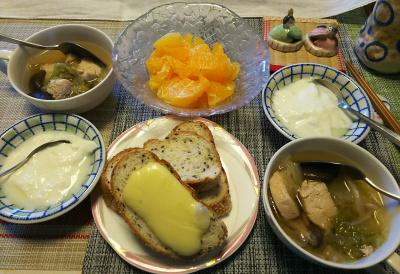 DSC_1674_0224昼-チーズトースト、チキン白菜スープ、ヨーグルト、デコポン_400.jpg