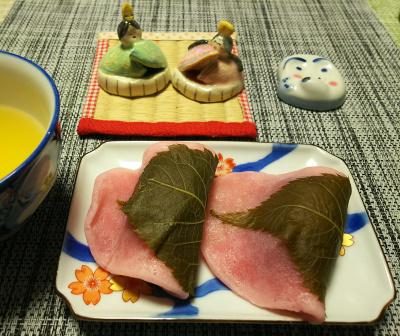 DSC_1769_0302おやつ-桜餅_400.jpg