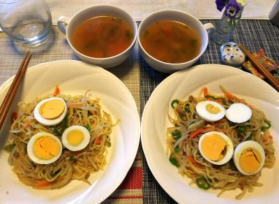 DSC_0183_0318昼-卵のせ焼きそば、スープ_400.jpg