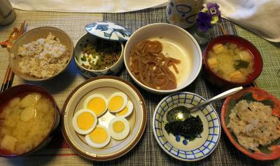 DSC_0191_0319昼-ゆで卵、のり佃煮、セロリ肉そぼろ会え、ピリ辛こんにゃく、麩の味噌汁、雑穀ごはん_400.jpg