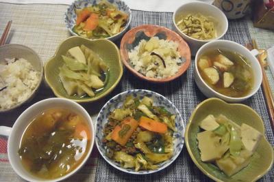 R0017937_0417夜-筍ご飯、肉そぼろ炒め、レタスと鶏団子スープ、筍と高野豆腐の煮物_400.jpg