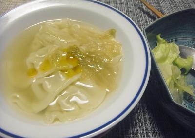 R0017955_0420夜-スープ餃子、レタスサラダ_400.jpg
