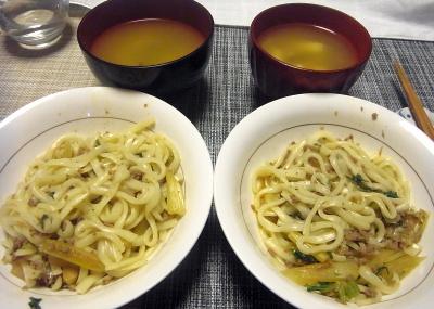 R0017981_0424夜-肉そぼろとセロリの汁なし稲庭うどん、スープ_400.jpg