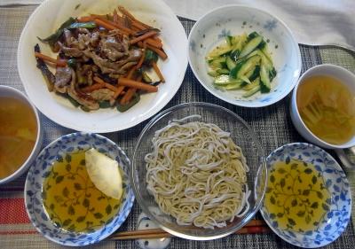R0018008_0429昼-流水麺そば、ポーク野菜炒め、胡瓜、スープ_400.jpg