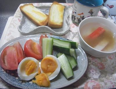 R0018212_0521昼-ゆで卵サラダ、カニカマスープ、チーズトースト_400.jpg