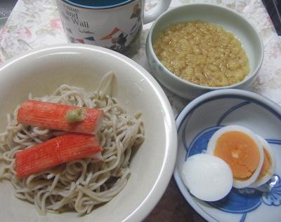 R0018216_0522昼電球切れ-カニカマ揚げ玉流水麺、ゆで卵_400.jpg
