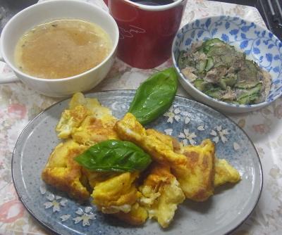 R0018546_0703昼・キッチン-フレンチトースト、サバ缶サラダ、コーンポタージュ_400.jpg