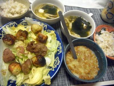 R0018551_0703夜-としちゃんつくねとカシラ、サラダ、大根おろし納豆、雑穀ごはん、しめじスープ_400.jpg