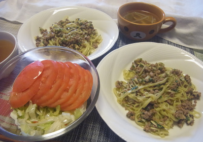 R0018593_0710昼-肉味噌中華そば、トマトサラダ、スープ_400.jpg