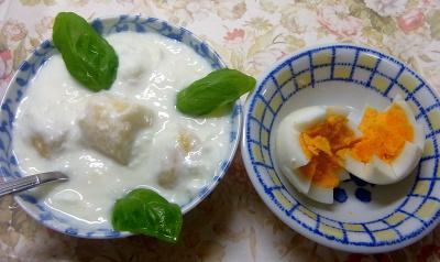 R0018725_0716昼・キッチン-ゆで卵、バナナヨーグルト_400.jpg