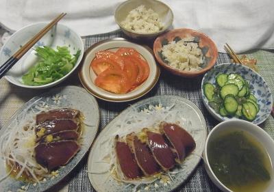 R0018754_0720夜-鰹たたき、トマト、キュウリのわさび漬け会え、レタススープ、雑穀ごはん_400.jpg