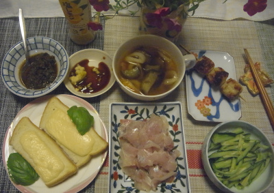 R0018925_0809釣った鯵のたたき、チーズトースト、焼鳥つくね、茄子とちくわのスープ、キュウリ_400.jpg