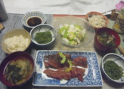 R0019150_0907夜-ゴーヤNo29サラダ、かつお刺身、めかぶ、味噌汁、雑穀ごはん_400.jpg