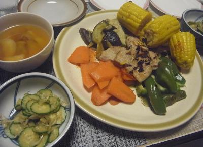 R0019206_0916夜-ポークソテー夏野菜コーン添、ミョウガきゅうり、スープ_400.jpg